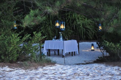 Mnemba Island, dinner at the beach
