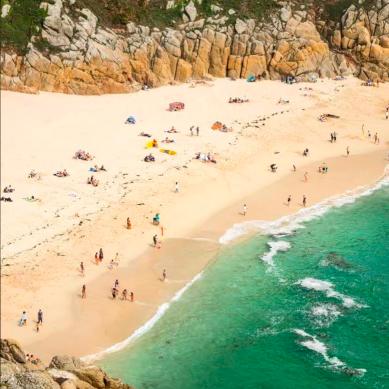 Porthcurno beach Photo: @m.o.e.a.a (instagram)