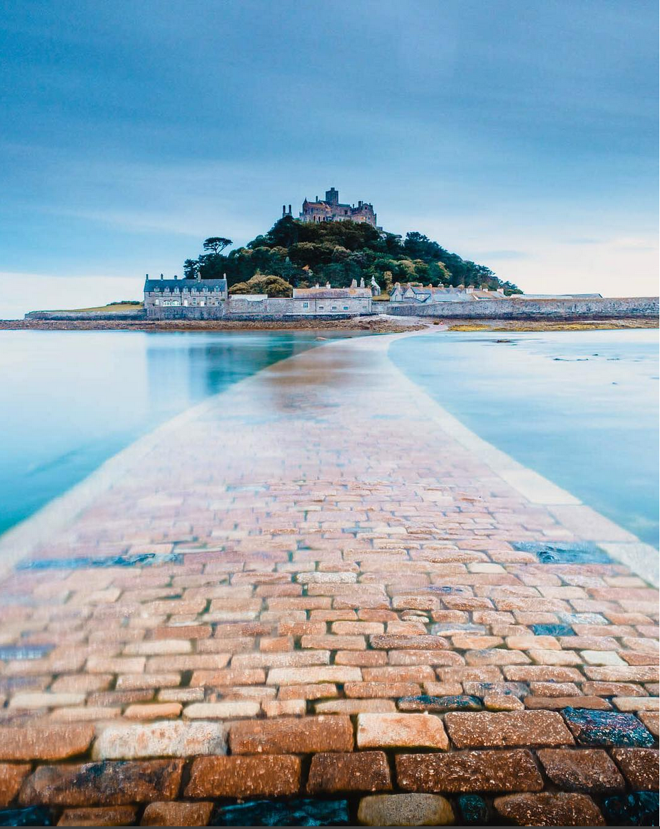 St Michaels Mount in Cornwall ph @james.hrrs