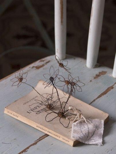 Mes Objets de Charme, fiori in fil di ferro