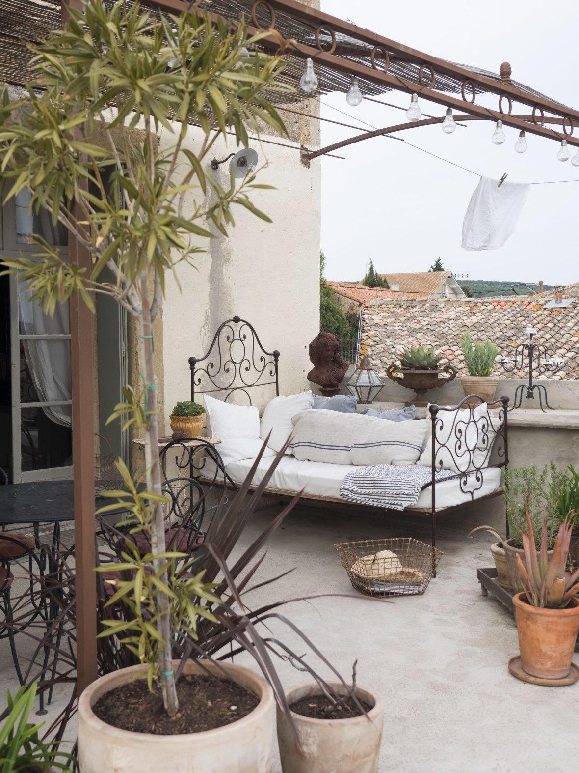 la-belle-vue-chambre-d-hotes-charme-occitanie.jpg