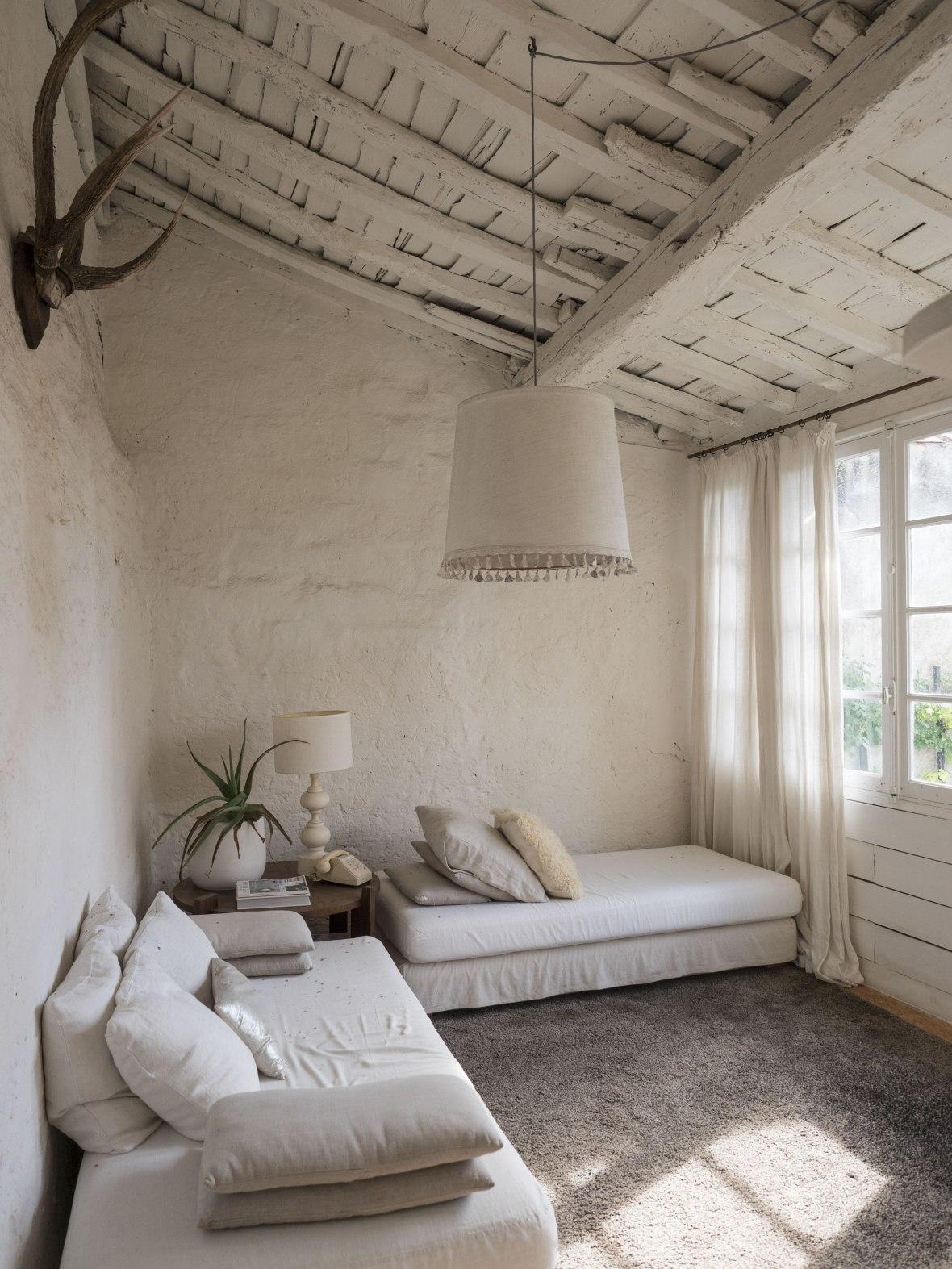 camellas-lloret-garden-apartement-linving-room.jpg