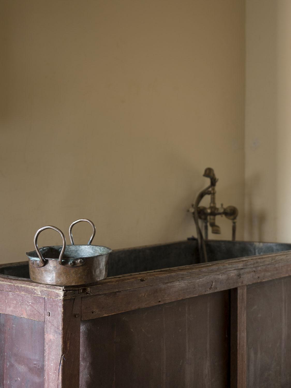 maison-empereur-marseille-bath.jpg