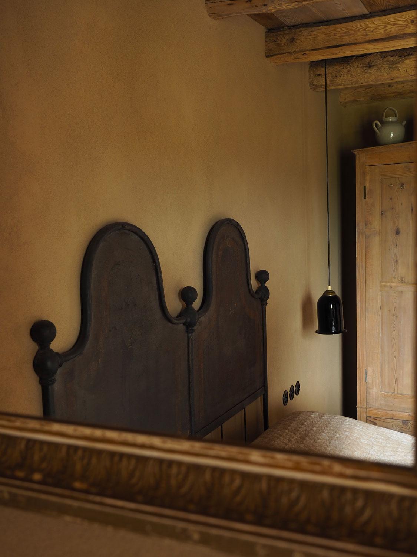 aubergine-romance-room.jpg