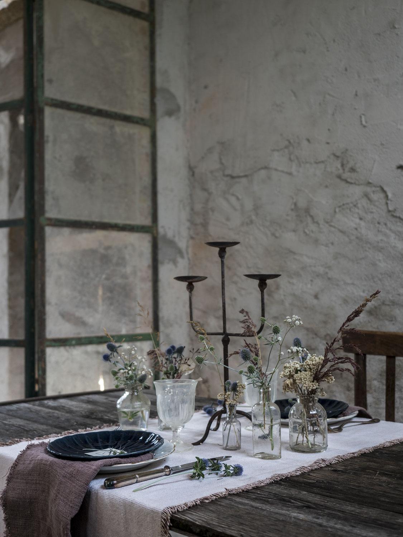 Raw Chic Table Setting @Villa 61 - Maison de Campagne