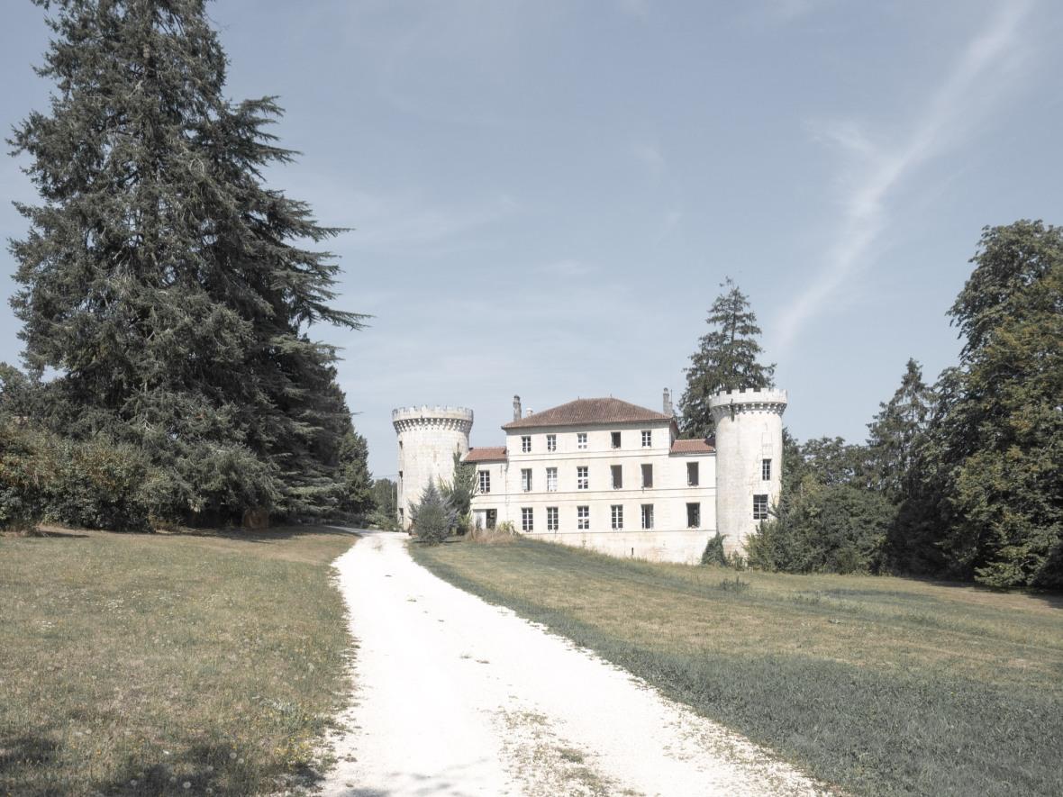 chateau-de-dirac-castle.jpg