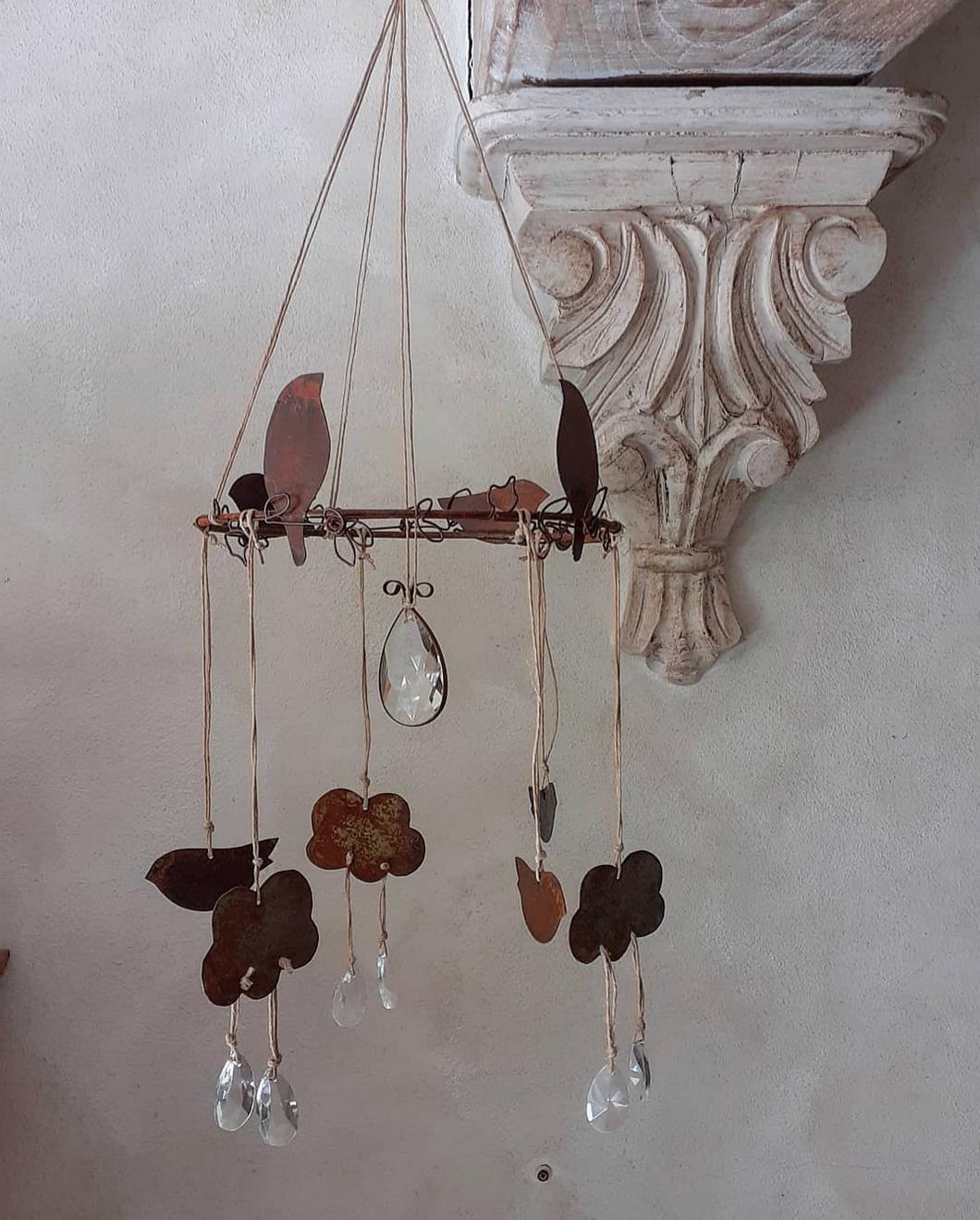 Giostrina realizzata in collaborazione con Chiara Alessandri, dal profilo di @archieandme__