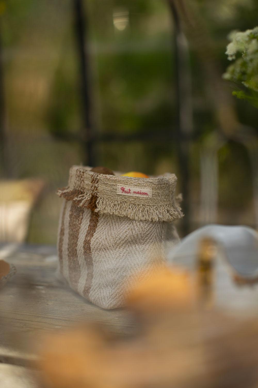 Portatutto in canapa vintage con rigo senape, Fait Maison Italy (Ph @lamottecostanza)